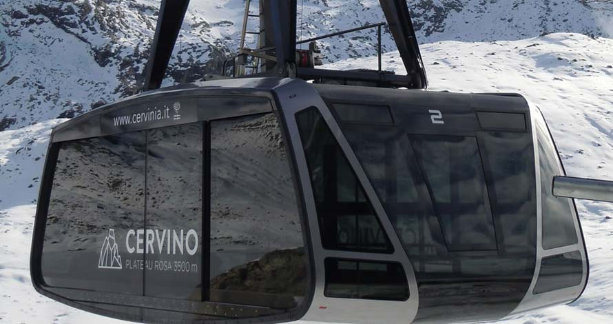 The gondola lift to the Cervino peak